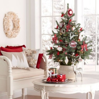 Totally inspiring small christmas tree decoration ideas for space saving 42