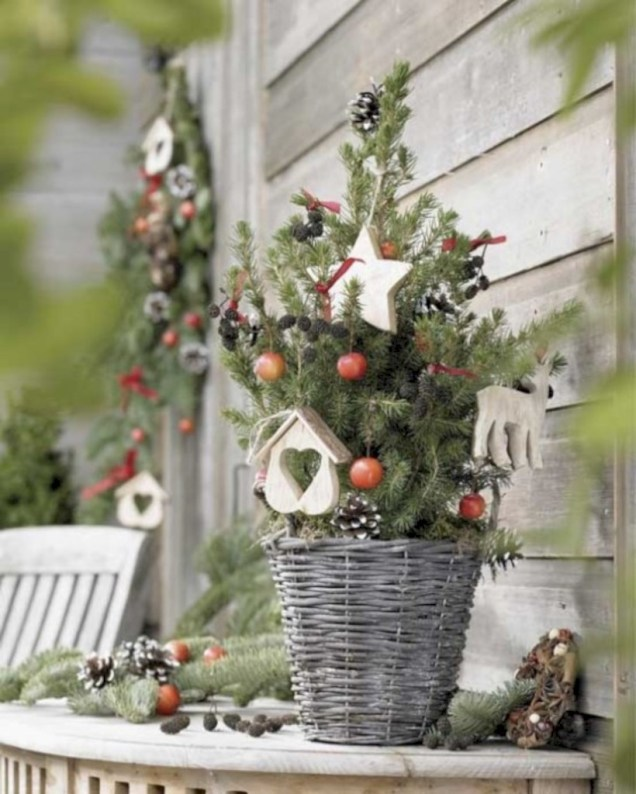 Totally inspiring small christmas tree decoration ideas for space saving 44
