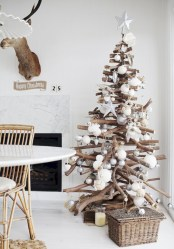Unique christmas tree decoration ideas for your alternatives 09