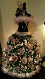 Unusual black christmas tree decoration ideas 17