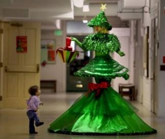 Unusual black christmas tree decoration ideas 29