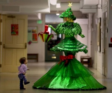Unusual black christmas tree decoration ideas 29