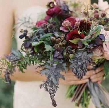 Wonderful winter wedding bouquets ideas you will love (1)