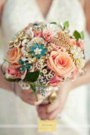 Wonderful winter wedding bouquets ideas you will love (26)
