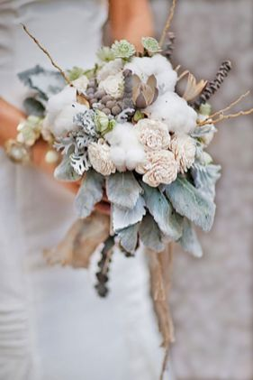 Wonderful winter wedding bouquets ideas you will love (36)