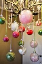 Adorable christmas chandelier decoration ideas 11