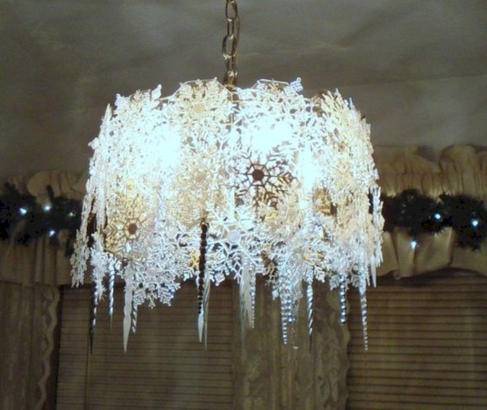 Adorable christmas chandelier decoration ideas 19