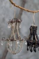 Adorable christmas chandelier decoration ideas 32