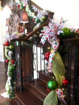 Adorable christmas chandelier decoration ideas 37