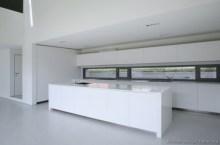 Adorable grey and white kitchens design ideas 20