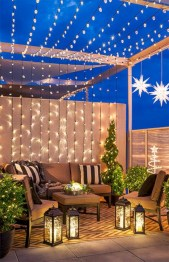 Awesome christmas decoration ideas for your balcony 16