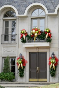 Awesome christmas decoration ideas for your balcony 30