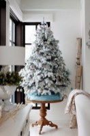 Beautiful and charming tabletop christmas trees decoration ideas 25
