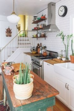 Bright and colorful kitchen design ideas 22