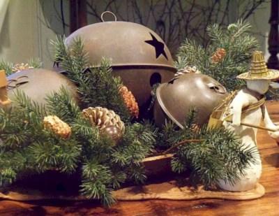 Charming winter centerpieces decoration ideas 04