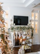 Cool christmas fireplace mantel decoration ideas 10