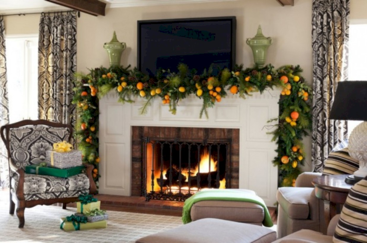 Cool christmas fireplace mantel decoration ideas 17