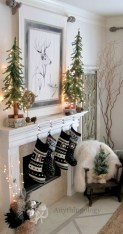 Cool christmas fireplace mantel decoration ideas 27