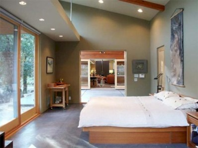 Cozy bedrooms design ideas with brilliant accent walls 12