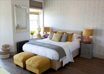 Cozy bedrooms design ideas with brilliant accent walls 21