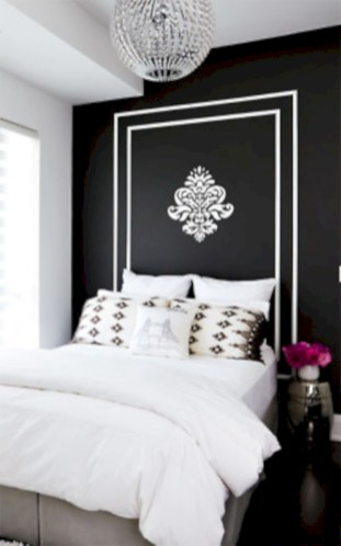 Cozy bedrooms design ideas with brilliant accent walls 31