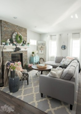 Creative living rooms design ideas for your inspiration 28