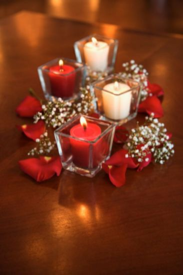 Fabulous christmas decoration ideas using candles 44