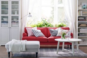 Gorgeous red and white living rooms ideas 38