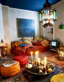 Relaxing moroccan living room decoration ideas 29