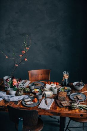 Simple rustic christmas table settings ideas 12