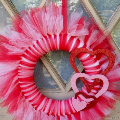 Awesome valentine wreaths ideas for your front door 14