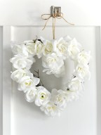 Awesome valentine wreaths ideas for your front door 29