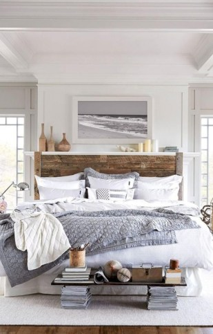 Beautiful farmhouse master bedroom decorating ideas 08