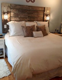 Beautiful farmhouse master bedroom decorating ideas 10