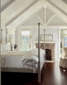 Beautiful farmhouse master bedroom decorating ideas 21
