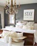 Beautiful farmhouse master bedroom decorating ideas 22