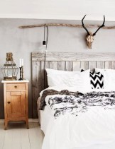 Beautiful farmhouse master bedroom decorating ideas 28