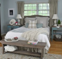 Beautiful farmhouse master bedroom decorating ideas 40