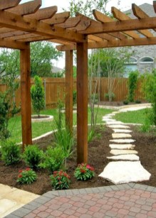 Beautiful small garden design ideas on a budget (39)