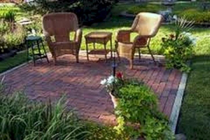 Beautiful small garden design ideas on a budget (47)