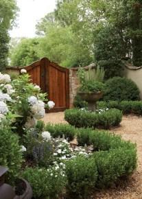 Beautiful small garden design ideas on a budget (5)