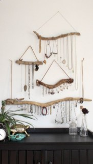 Best tips to makes farmhouse decoration style easily (24)