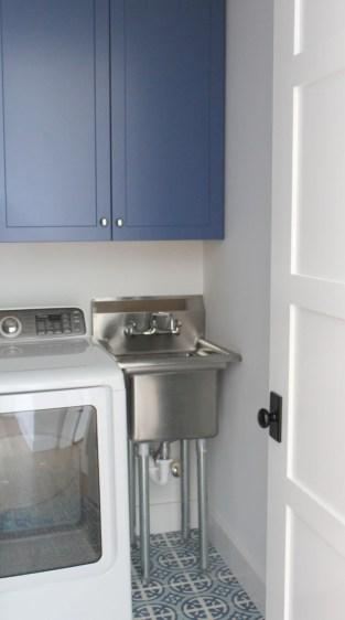 Brilliant small laundry room storage organization ideas on a budget 22