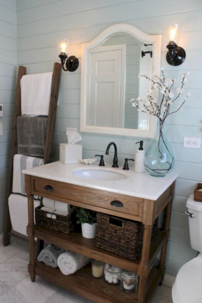 Captivating small farmhouse bathrooms decoration ideas (3)