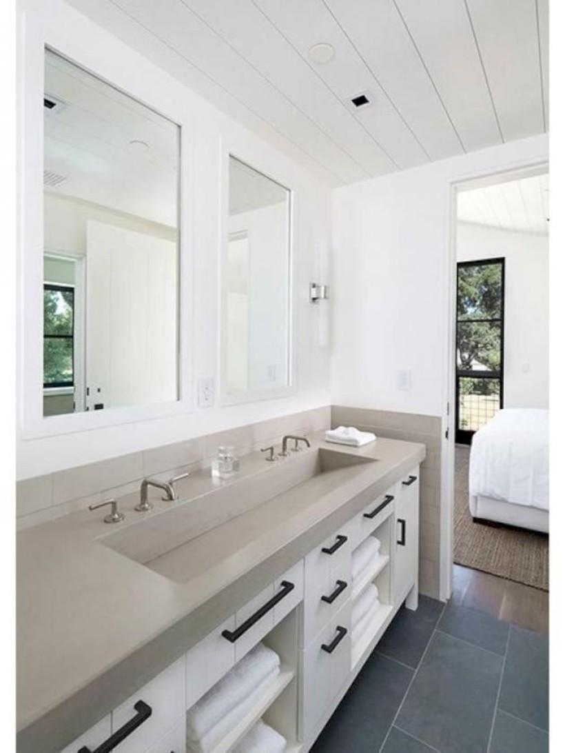 Captivating small farmhouse bathrooms decoration ideas (35)