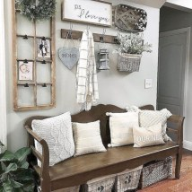Catchy farmhouse rustic entryway decor ideas 02
