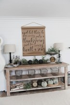 Catchy farmhouse rustic entryway decor ideas 17