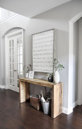 Catchy farmhouse rustic entryway decor ideas 41
