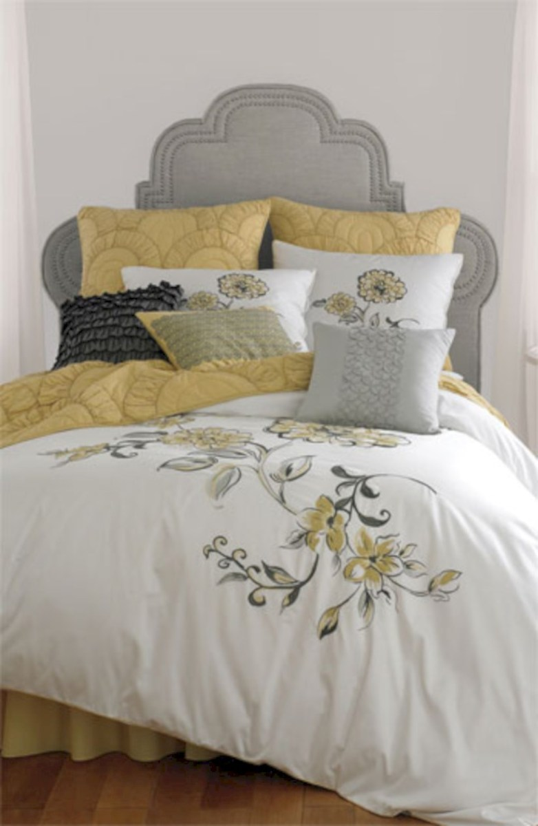 Comfy grey yellow bedrooms decorating ideas (18)