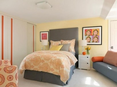 Comfy grey yellow bedrooms decorating ideas (25)